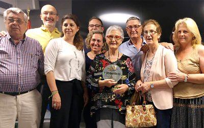FEAFES reconoce la labor de Encarna, delegada y socia fundadora de AFEMEN