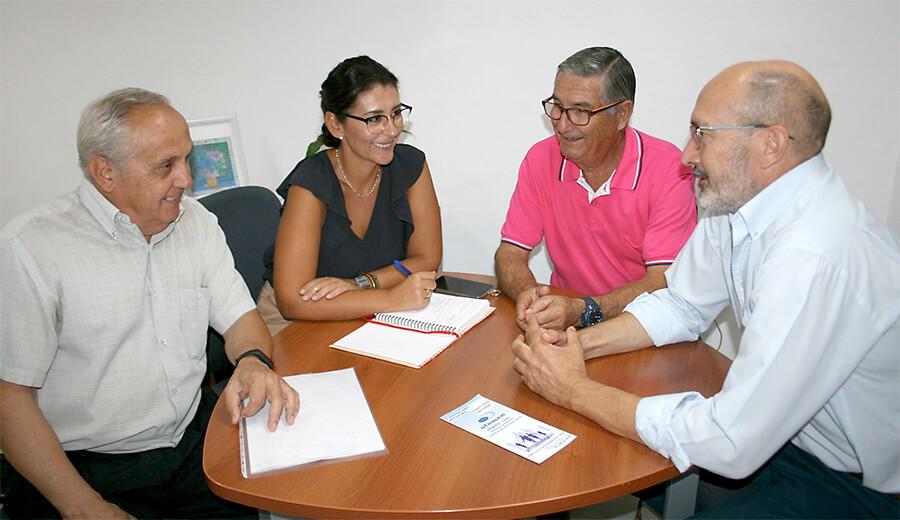 AFEMEN pide el apoyo del Ayuntamiento de Puerto Real para consolidar la atención de usuarios y familiares