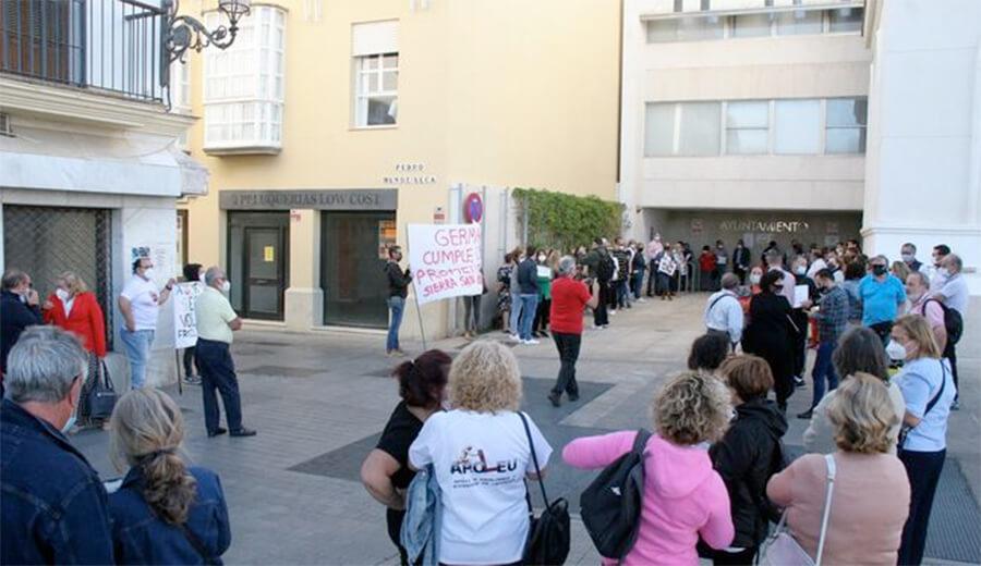 Asociaciones y entidades sociales de El Puerto crean una plataforma para exigir una solución a los impagos municipales
